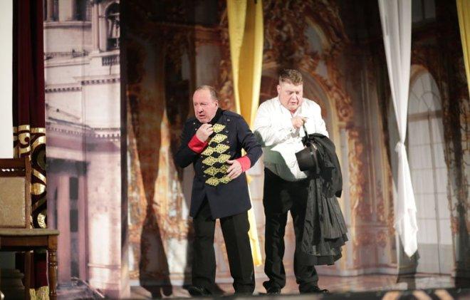Владимир Стеклов на сцене театра