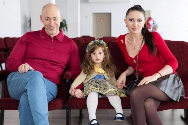 Дмитрий Гордон с женой и дочерью