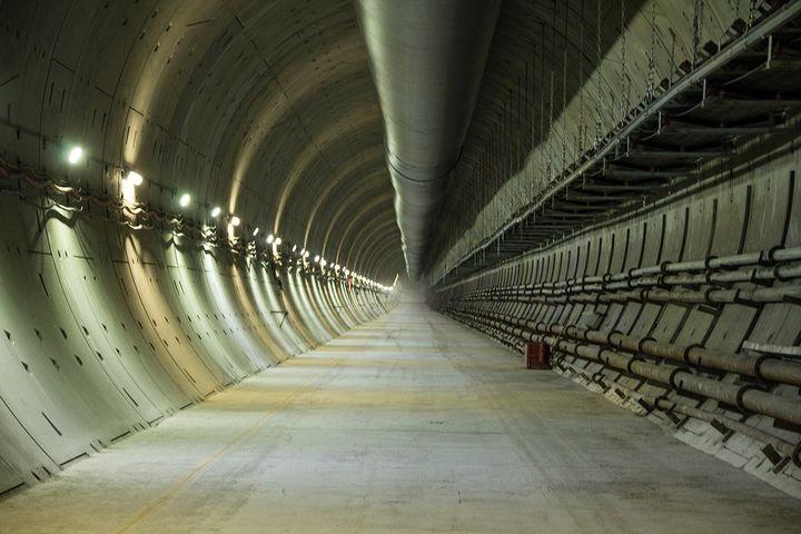 Туннель в метро