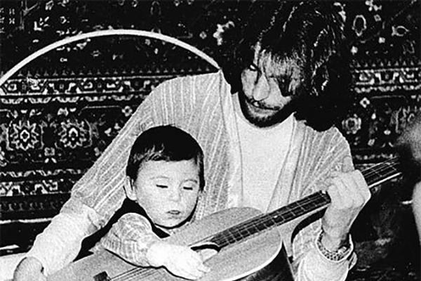 Игорь Тальков с годовалым сыном Игорем