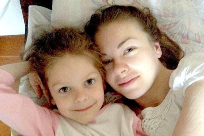Олеся Фаттахова с дочерью
