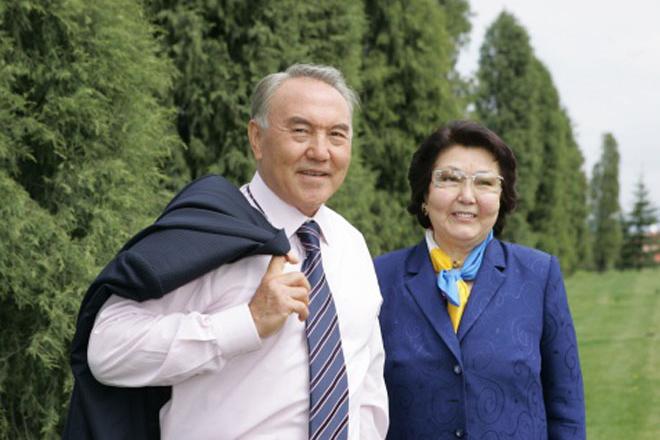 Нурсултан Назарбаев с женой