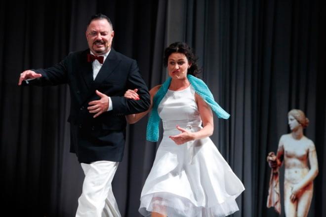 Максим Леонидов в спектакле «Отпетые мошенники»
