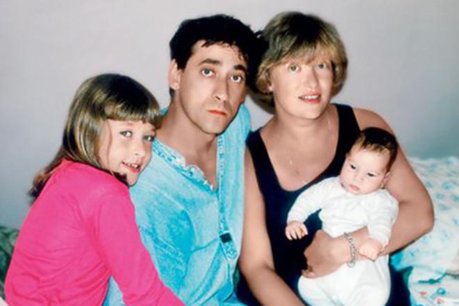 Евгений Дворжецкий с семьей