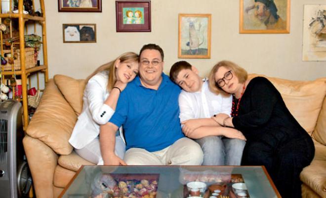 Нина Дворжецкая с семьей