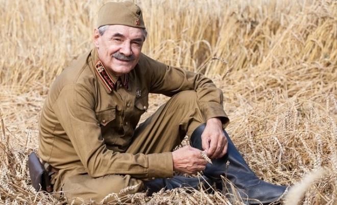 Александр Панкратов-Черный на съемках сериала «По законам военного времени»
