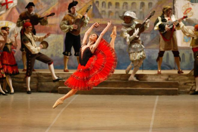 Светлана Захарова солирует в «Дон Кихоте»