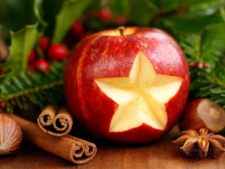 Запеченное яблоко с корицей - вкусный десерт, который поможет в борьбе с жировыми отложениями