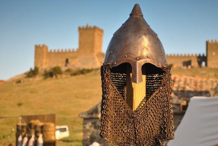 Рыцарский шлем