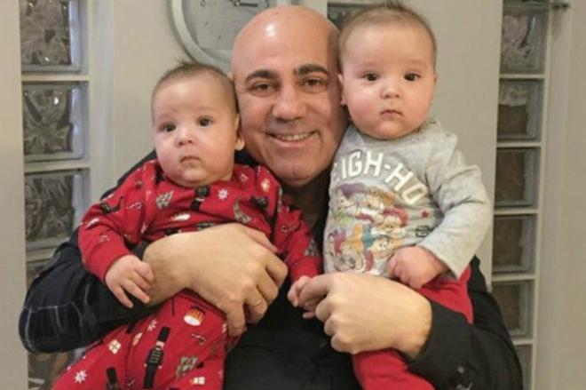 Иосиф Пригожин с двойняшками