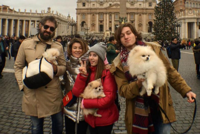 Жанна Бадоева с мужем и детьми