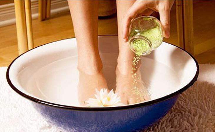 Как использовать настойку прополиса для лечения грибка ногтей на ногах