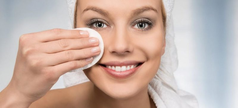 удаление макияжа с ресниц