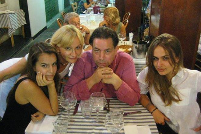 Анна Якунина с семьей