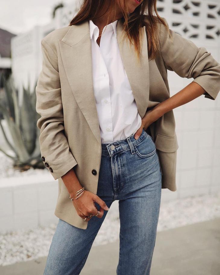 белая рубашка с джинсами фото 10