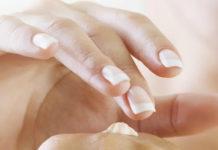 Нежные и гладкие руки.