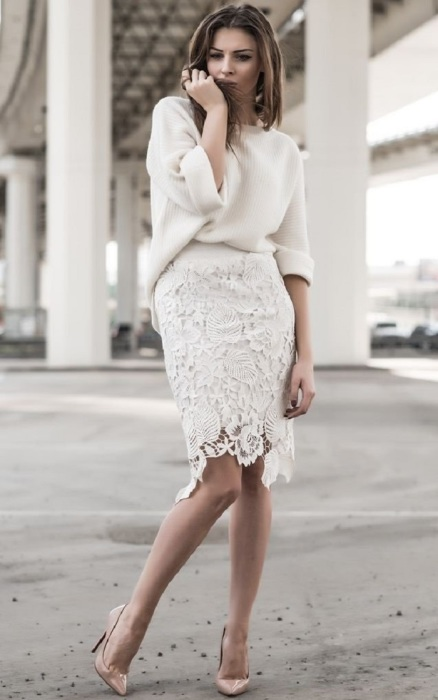 Кружевная белая юбка смотрится очень элегантно. / Фото: allwomenstalk.com