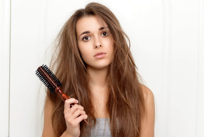 Вы редко расчесываете волосы.