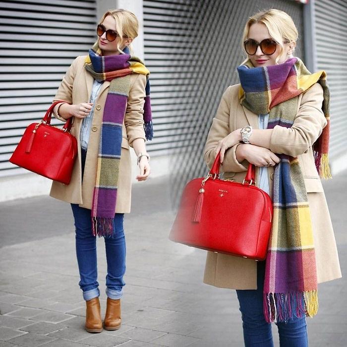 Европейки дополняют базовую одежду яркими аксессуарами. / Фото: Pinterest.es