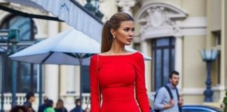 Платье подчеркивает все достоинства фигуры. / Фото:Shafa.ua