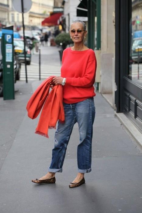 Яркие краски хороши для женщин любого возраста.