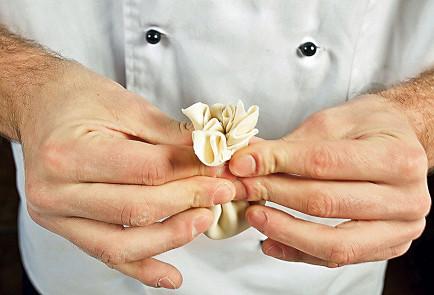 Фото приготовления рецепта: Хинкали - шаг 5