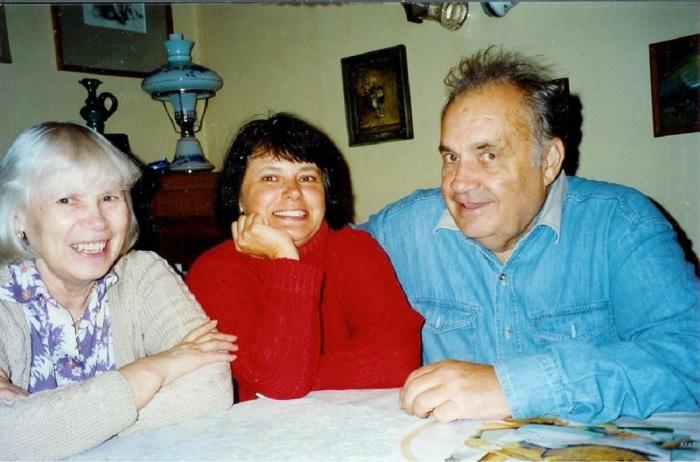 Ольга Рязанова с мамой и папой. / Фото: www.story.ru