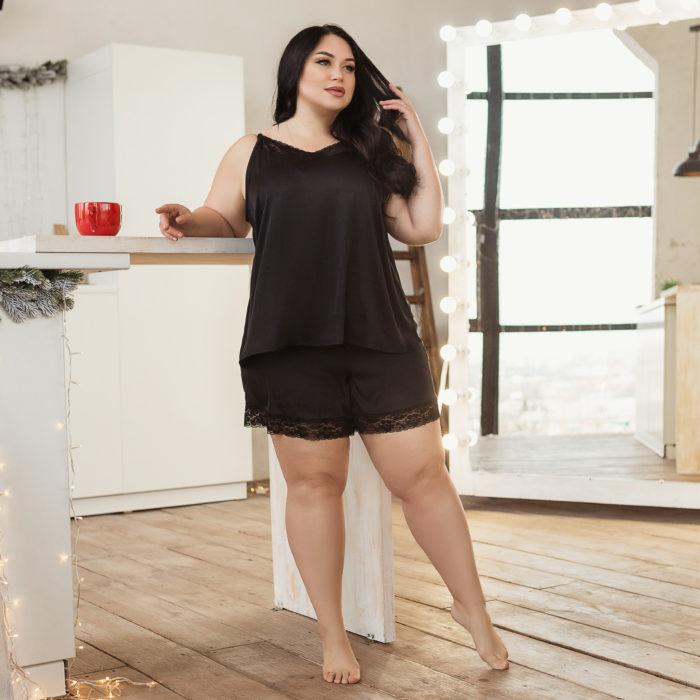 Черная шелковая пижама