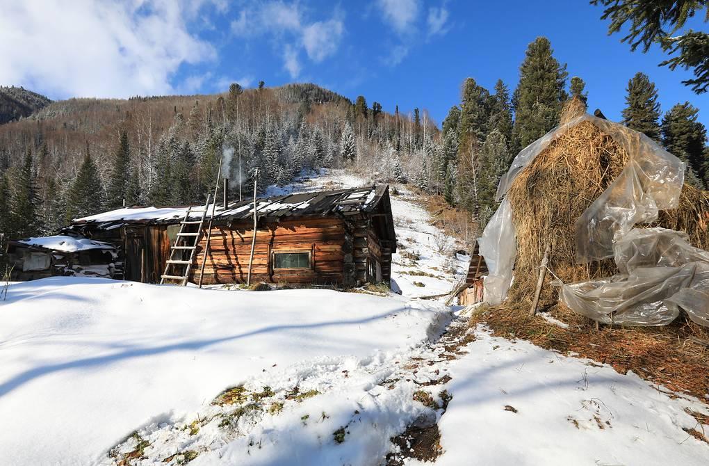 Дом Агафьи Лыковой в верховьях Большого Абакана Александр Рюмин/ТАСС