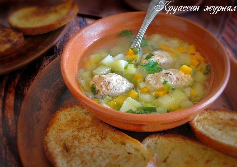 суп с куриными кнелями
