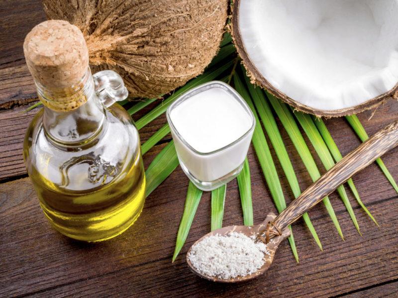 кокосовое масло в жидком и твердом виде
