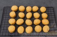 Фото приготовления рецепта: Карамельные пряники из заварного теста, с молочной глазурью - шаг №15