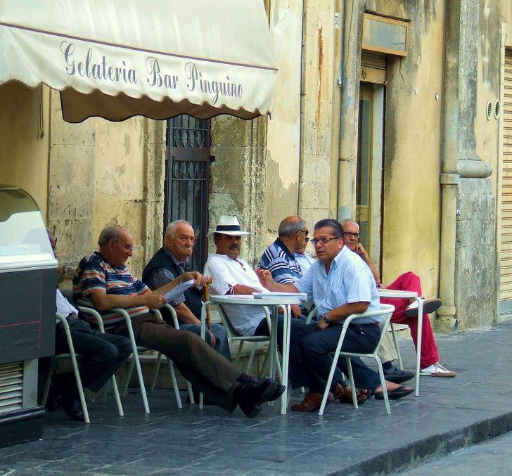 8 правил счастливой жизни, которым следуют итальянцы, а иностранцы только разводят руками