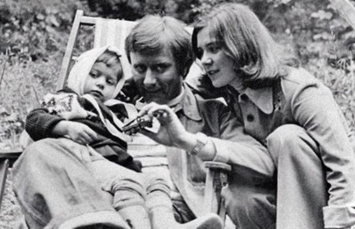 Андрей Миронов и Лариса Голубкина с дочерью Машей | Фото: uznayvse.ru