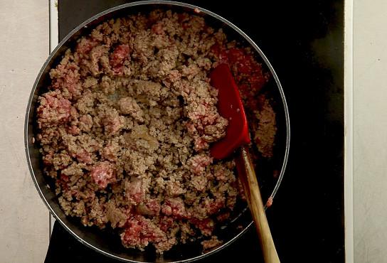 Фото приготовления рецепта: Лазанья классическая с мясом - шаг 3